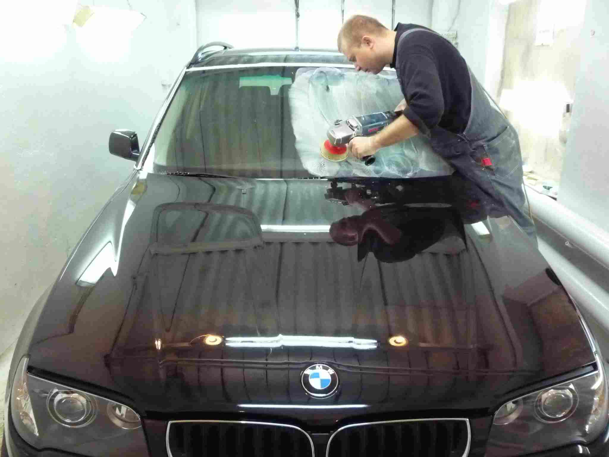 Полировка царапин стекла автомобиля от царапин своими руками